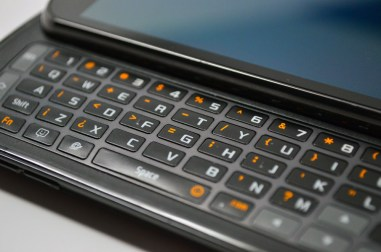 Samsung Stratosphere Review - Keyboard close