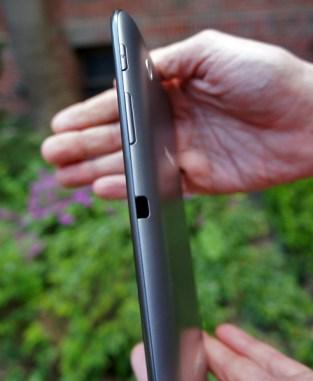 Samsung Galaxy Tab 2 7.0 right side