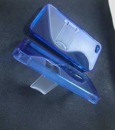 iPhone 5 case kickstand