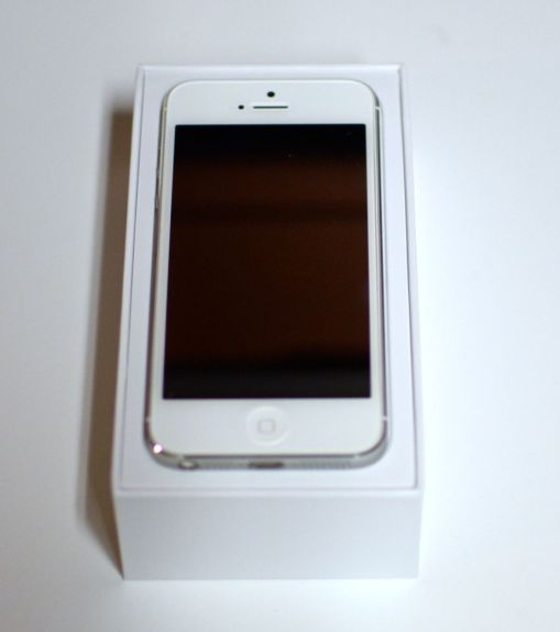 iphone 5 unboxing1