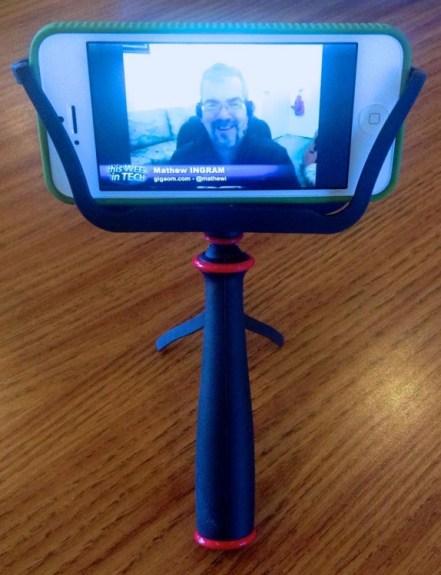 slingshot holding iphone 5 front