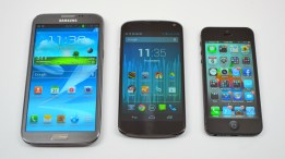 Galaxy Note 2 vs iPhone 5 vs Nexus 4 - 01