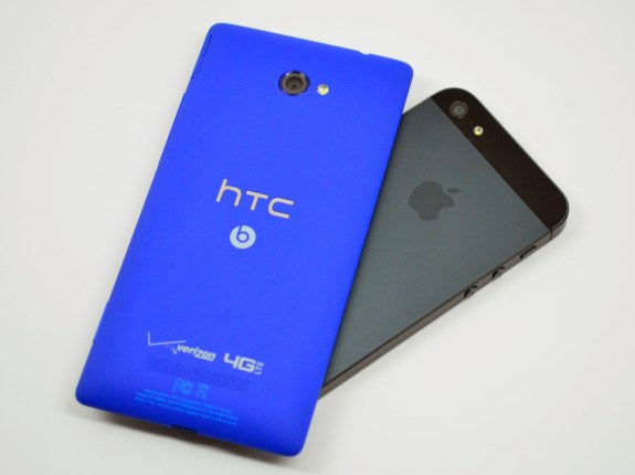 HTC 8X vs iPhone 5 Review - 08