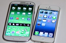 iPhone 5 vs Galaxy S III Display