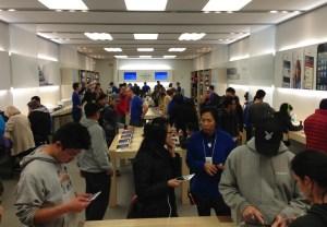 iphone-5-vs-Nexus-4-stores