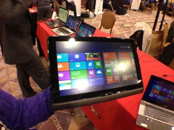 Toshiba U925t Ultrabook Convertible Hands On - 4