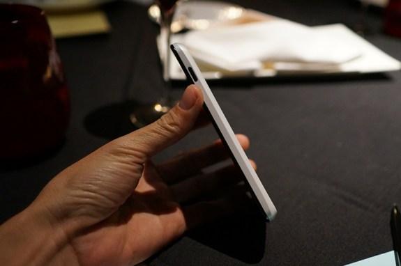 White Nexus 4 side two-tone