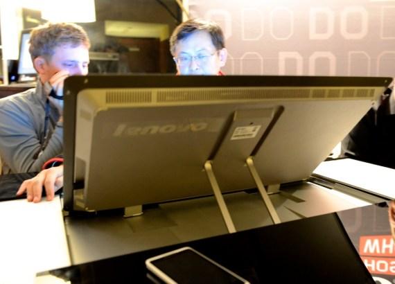 lenovo-ideacenter-horizon-table-pc 8