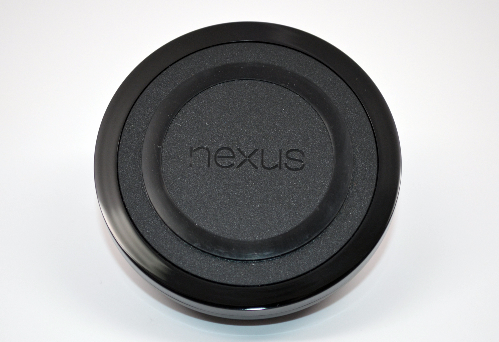 Nexus Wireless Charger (2013) Review: You Get What You Pay For