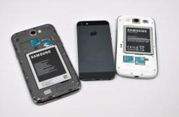 Samsung-Galaxy-Note-2-vs-Galaxy-S3-vs-iPhone-5-5-575x382