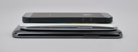 Samsung Galaxy Note 2 vs Galaxy S3 vs iPhone 5 - 7