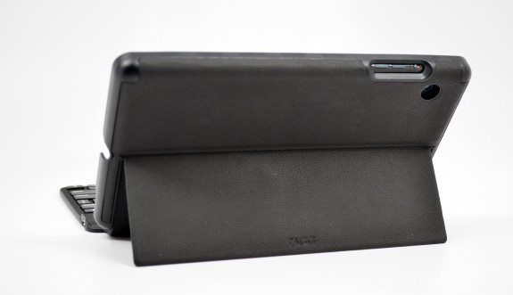 ZAGGKeys mini 9 review - iPad mini keyboad case - 05