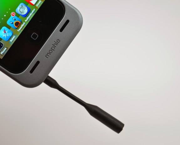 iPhone 5 Mophie Juice Pack Helium Review - 10
