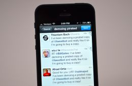 Installous alternatives like AppCake allow piracy on the iPhone, and Tweetbot is trying to shame pirates.