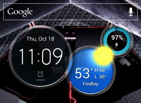 The Droid RAZR MAXX HD uses MotoBlur over Android 4.1.