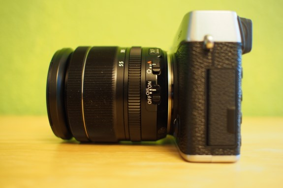 Ridged rings offer manual adjustments. From left to right: focus ring, zoom ring, and aperture control ring.