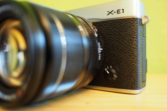 Switch to toggle between auto-focus and manual focus modes.