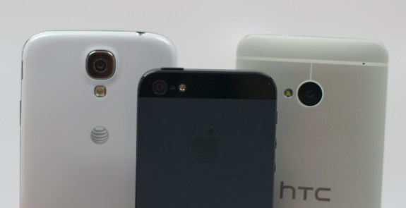 We check out the Samsung Galaxy S4 vs. HTC One vs. iPhone 5 camera comparison.