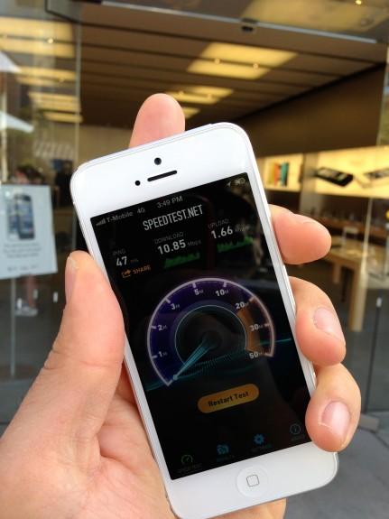 iphone-5-t-mobile-apple-store-speedtest-app1