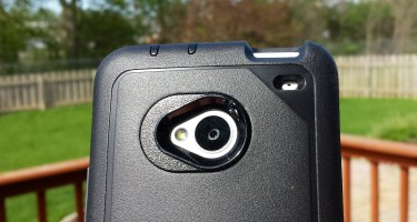 HTC One Case - OtterBox Defender Series Review 3