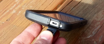 HTC One Case - OtterBox Defender Series Review 6