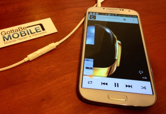 Use the Galaxy S4 headphones to control music and calls.