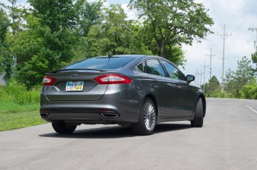 2013 Ford Fusion Review - 008