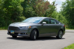 2013 Ford Fusion Review - 014