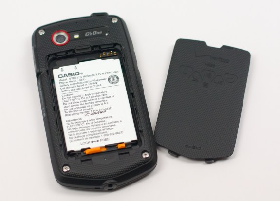 The Casio G'zOne Commando 4G LTE features a removable battery.