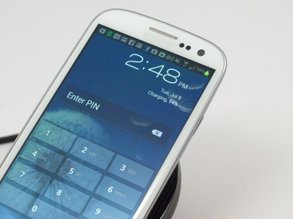 Wirelessly charge the Galaxy S3.