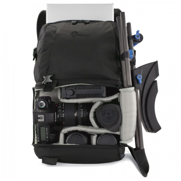 DSLR Video Fastpack 250 AW with laptop