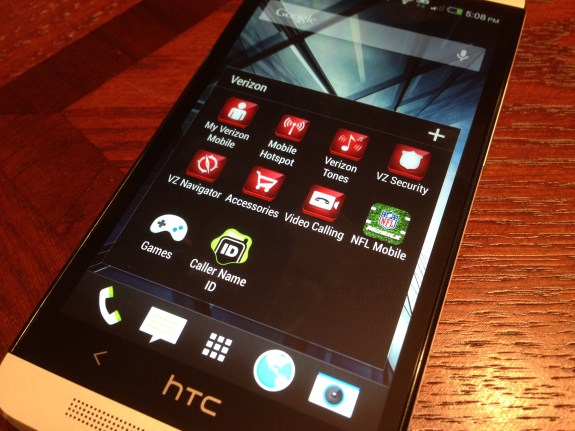 The Verizon HTC One comes with several pre-installed apps.
