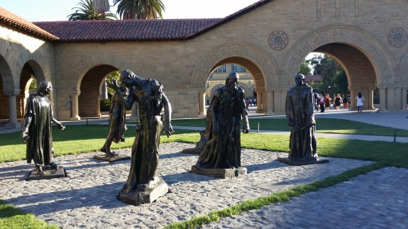 Some Rodin statues at the Stanford University quad. Again, dynamic range could be improved in auto mode as the sky is blown out in this shot.