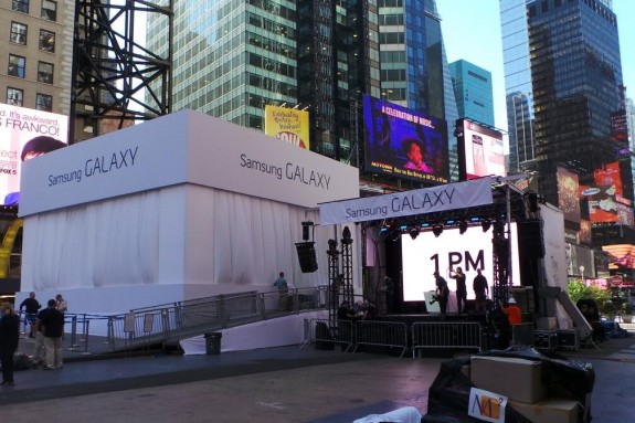 The Samsung Galaxy Note 3 live stream starts at 1 PM Eastern online and in Times Square.
