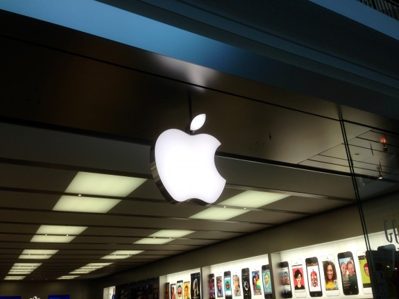 The iPhone 5S release date supplies look low at Apple Stores and at carriers.