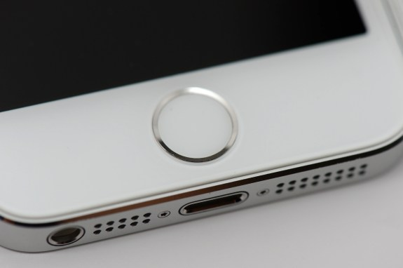 iphone-5s-review-gold-white 12