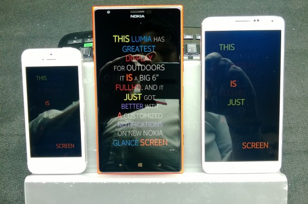 The Nokia Lumia 1520's display performs very well in direct sunlight when compared to the Samsung Galaxy Note 3 and Apple's iPhone 5.