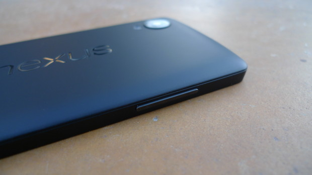 The Nexus 5 is sleek and only 137mm thick