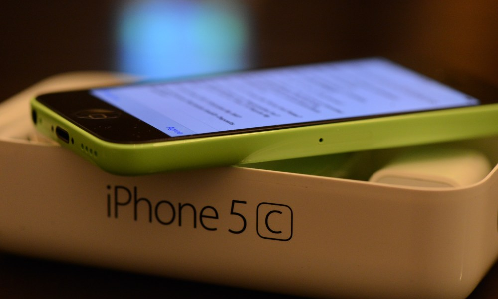 3 Reasons to Skip the 8GB iPhone 5c