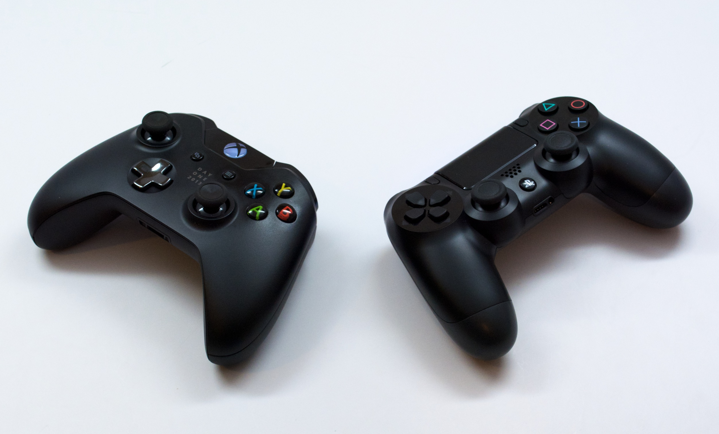PS4 vs Xbox One: 7 Things Buyers Need to Know