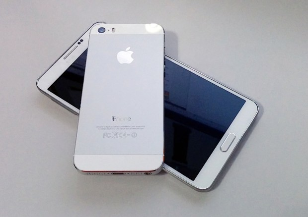 iPhone 5s Beats Note 3 - 3