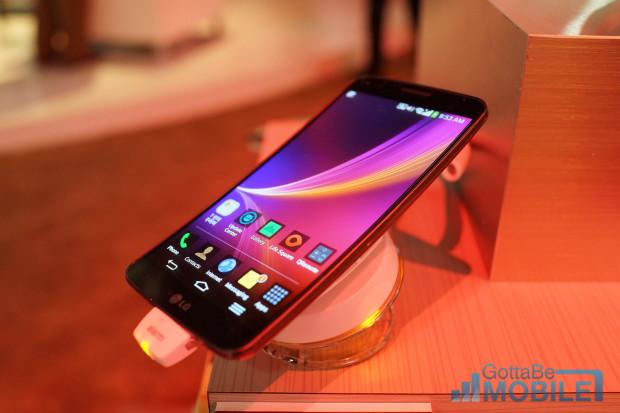 The LG G Flex is on the way to AT&T, T-Mobile and Sprint.
