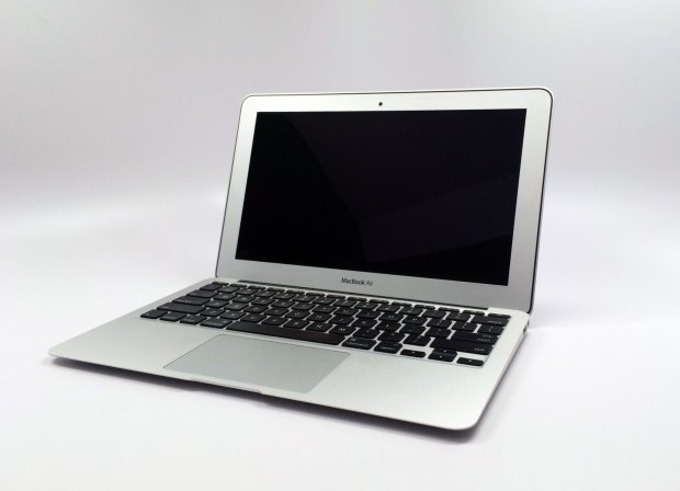 New details about how Apple may offer a MacBook Air Retina surface.