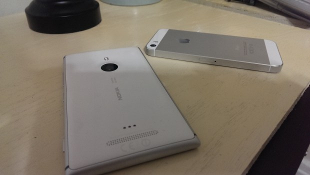 Apple iPhone 5s vs. Nokia Lumia 925 What To Buy (13)