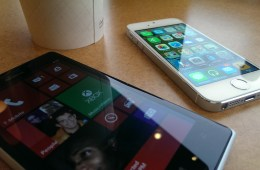 Apple iPhone 5s vs. Nokia Lumia 925 What To Buy (3)