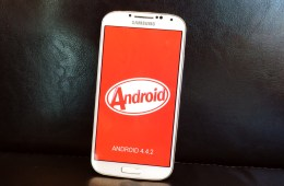 The Samsung Galaxy S4 Android 4.4.2 update is now available.