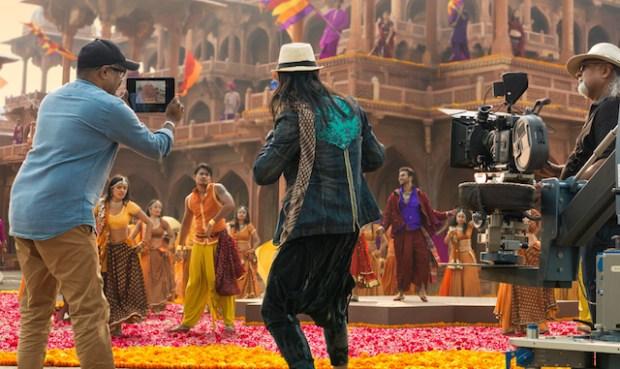 Apple_-_iPad_-_Bollywood_Vision 2