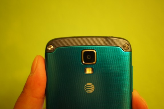 The AT&T Galaxy S4 Active Android 4.4 KitKat update is rolling out now.