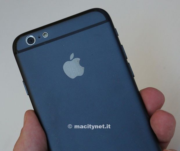Alleged iPhone 6 model.