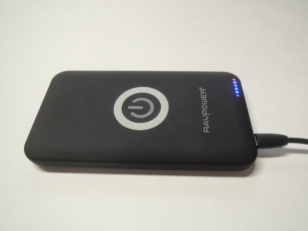 ravpower qi-wireless charging pad with 4400mah battery